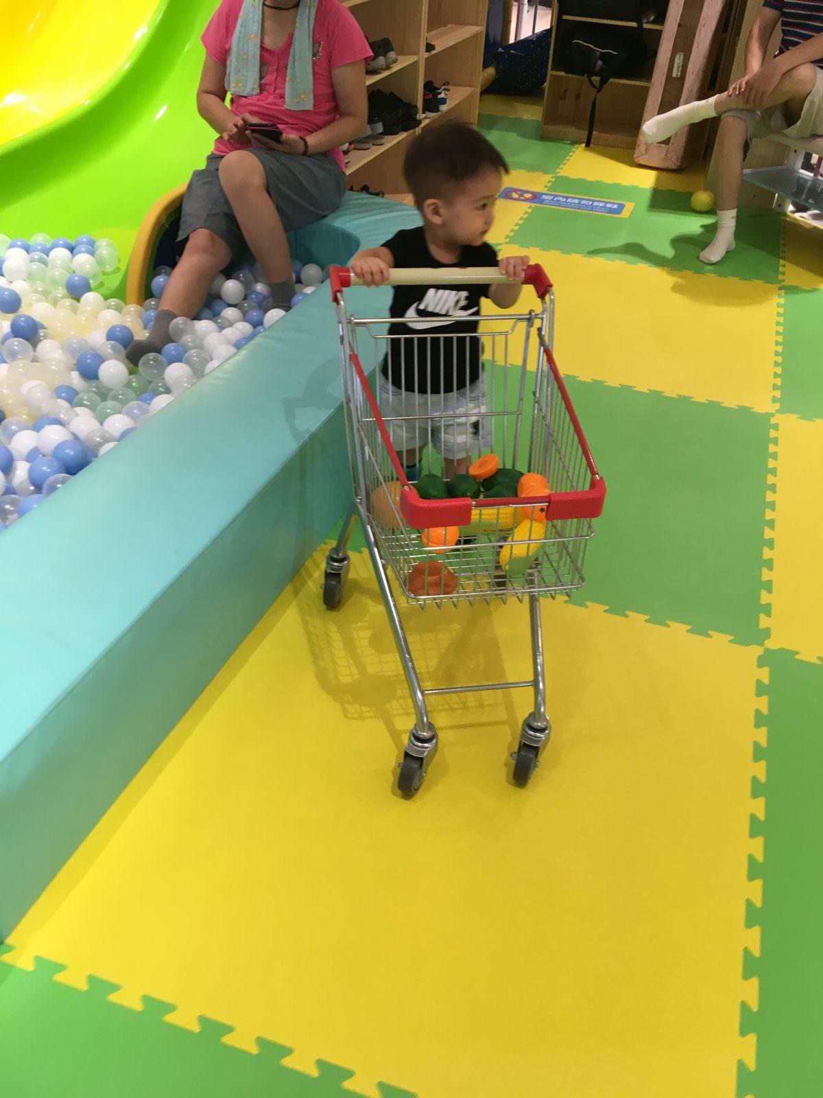 遊戲愛樂園-小推車