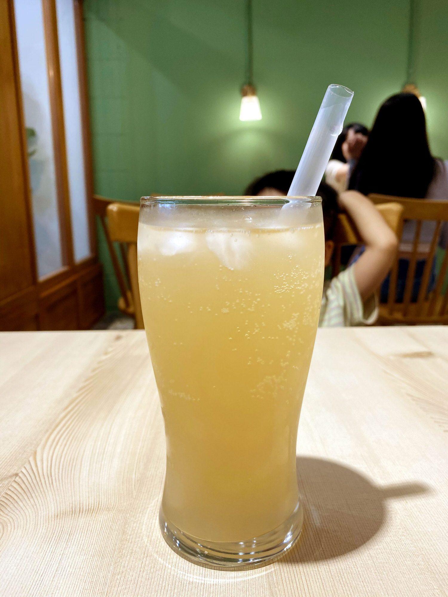 初發-蘋果酸V氣泡水